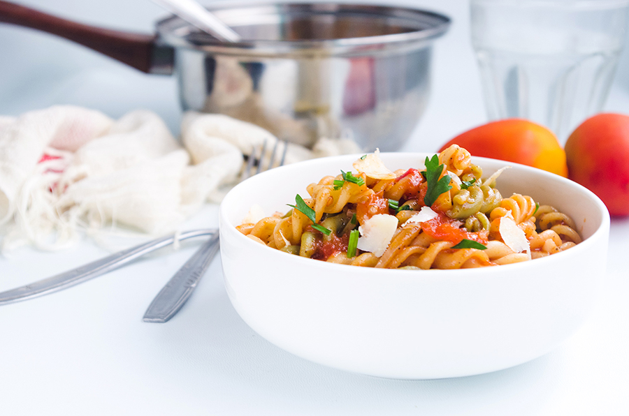 One-Pot Spicy Tomato Pasta