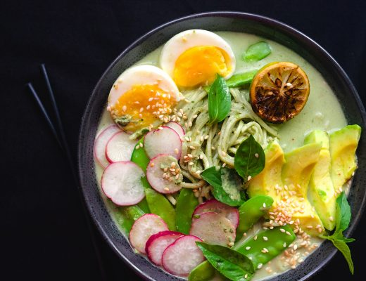 Easy green curry noodle bowl