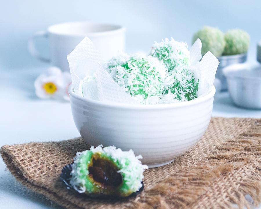 Klepon (Sweet Rice Cake Balls)