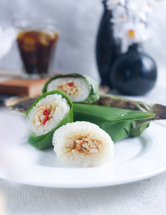 Lemper Ayam (Sticky Rice with Shredded Chicken)